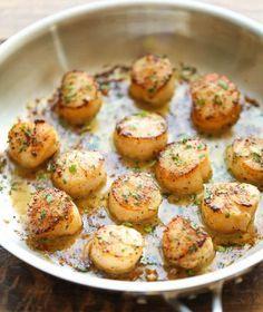 Recettes de pétoncles grillées au beurre à l'ail et citron