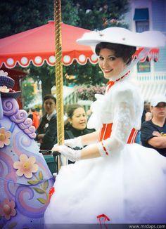 Practically Perfect in Every Way. Disney Fancy Dress, Disney Love, Disney Stuff, Halloween Season, Fall Halloween, Adult Halloween, Halloween Stuff, Diy Mary Poppins Costume, Disney Costumes