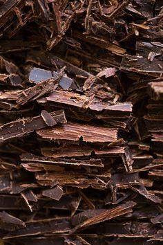 > De gezonde voordelen van Dazzles! <  Pure chocolade is rijk aan antioxidanten. Onze Bitter Bite en Fragies of Fragles zitten dus vol met antioxidanten.   #Dazzles #Chocolate #Chocolade #Dazzle #Purechocolade #Vol #Antioxidanten #Gezondzijn #Gezond #Healthy #FeelGood #FeelGoodFood #bestoftheday #BitterBite #FragiesofFragles #GoogFood #HealthyFood