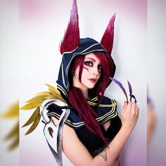 Xayah ! Where is my Rakan ;( ? - - - (I know the ponytail isn't on the correct side, but meh, I'm more comfortable as well) (more photos on my Patreon) #makeup#makeupgirl#lol#leaguecosplay#leagueoflegends#leagueoflegendscosplay#leagueoflegendsmemes#cosplay#cosplayer#wig#xayah#xayahxrakan#lolcosplay#角色扮演#コスプレ#코스프레