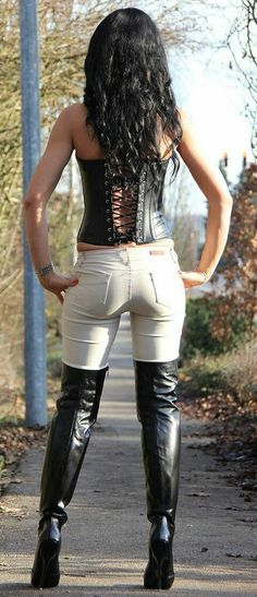 Beautiful and sexy women. in beautiful and sexy clothes and poses Thigh High Boots, High Heel Boots, Heeled Boots, Sexy Boots, Black Boots, Jean Sexy, Long Boots, Sexy Jeans, Girls Jeans