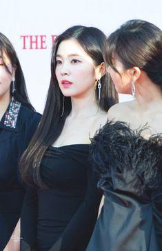 Red Velvet Seulgi, Red Velvet Irene, Video Japanese, Kim Yerim, Kids Tv, Latest Pics, Funny Faces, Asian Fashion, Mini Albums