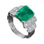 emerald ring by jewellery designer Benoit Noury Emerald, Jewelry Design, Engagement Rings, Jewels, Jewellery, Luxury, Fashion, Enagement Rings, Moda