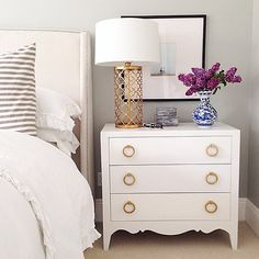 Love this bedside table/chest of drawers - thinking I can DIY something similar