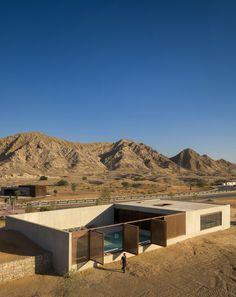 Al Faya Lodge & Spa / ANARCHITECT  Location Sarja - United Arab Emirates  Photographs Fernando Guerra
