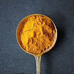 FOODS HELP RELIEVE PAIN ֆ/ֆ Turmeric ֆ Iron-rich spice with curcumin that may keep inflammatory enzymes in check. © PeopleImages/Getty Images
