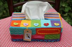 Tissue box holder (no pattern but lots of pictures) by Karen aan de haak Crochet Box, Love Crochet, Crochet Gifts, Crochet Hooks, Knit Crochet, Diy Haken, Crochet Designs, Crochet Patterns, Plastic Canvas Tissue Boxes