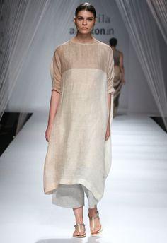 Anavila Misra Show at AIFW SS'16 - Fashionfad
