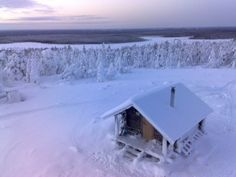 Spending the night in an amazing hut on the top of the fell Kivalo.