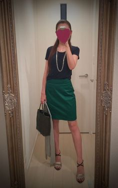 Black T shirt with green tight skirt - http://ameblo.jp/nyprtkifml