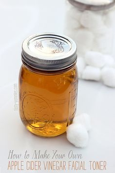 DIY Mask : Apple Cider Vinegar as a natural face toner teeth stain remover sunburnt skin Natural Face Toner, Toner For Face, Facial Toner, Facial Care, Natural Facial, Natural Skin, Natural Beauty Tips, Health And Beauty Tips, Healthy Beauty