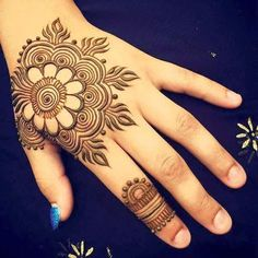 Mehndi design is extremely very famous for every occasion. Everyone can find best mehndi design for any festival. Simple and Easy Mehndi Designs Images. Mehndi Designs For Kids, Mehndi Designs Book, Mehndi Designs 2018, Mehndi Designs For Fingers, Mehndi Design Images, Unique Mehndi Designs, Beautiful Mehndi Design, Simple Mehndi Designs, Henna Tattoo Designs