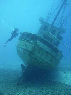 Wreak diving
