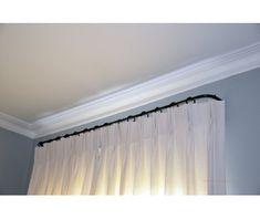 pour cacher le coffre du volet roulant rideaux fen tre pinterest. Black Bedroom Furniture Sets. Home Design Ideas