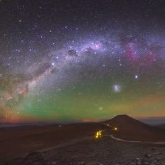 Milky way - Colorful night sky over ) Yes, this is the night sky over Atacama desert are the colors you see this is NOT Arurora Again we are witnessing some amazing airglow and this time we are lucky to ac Lofoten, Beautiful Sky, Beautiful World, Ciel Nocturne, Image Nature, Sky Aesthetic, Space And Astronomy, Earth From Space, Beautiful Places To Travel