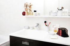 Dans la salle de bain d'Aurélie Bidermann http://www.vogue.fr/beaute/dans-la-salle-de-bain-de/diaporama/sdb-aurlie-bidermann/19567