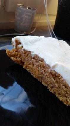 Mjuk och saftig morotskaka, helt vegansk och sojafri! Delicious Desserts, Pie, Dinner, Breakfast, Recipes, Food, Pinkie Pie, Breakfast Cafe, Fruit Flan