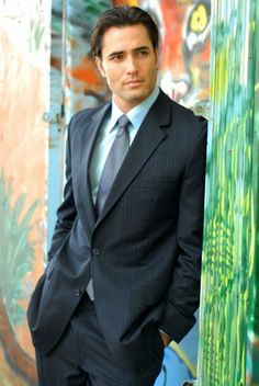 Hottie of the Week: Victor Webster. Webster Actor, Victor Webster, Sexy Poses, Gorgeous Men, Beautiful People, Phoebe And Cole, Famous Men, Famous People, Handsome Actors