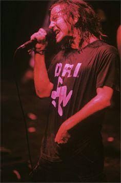 Pics Where Eddie Looks Hot - Part 2 - Page 319 - Pearl Jam Community