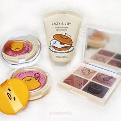 Holika Holika Gudetama Hand Cream | 3,000won | Image credit: https://www.instagram.com/p/BNUMMq2jGMj/ | #ShopandBoxKorea #holidaycollection2016