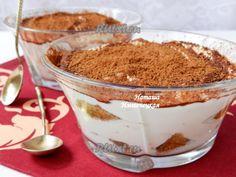 Рецепт тирамису без яицДля приготовления тирамису без яиц понадобится: 150 г печенья савоярди; 250 г сыра маскарпоне; 200 мл сливок для взбивания (не менее 33% жирности); 100 г сахарной пудры; 250 мл крепкого кофе; 30 г кофейного ликера; 2 ст. л. натурального какао.