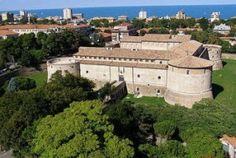 Rocca Costanza a Pesaro. 43°54′36.54″N 12°54′47.88″E