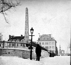 Provenance : Bibliothèque et Archives nationales du Québec (BAnQ). Quebec, Rue, Louvre, Images, Paris, Building, Travel, Vintage, Antique Photos