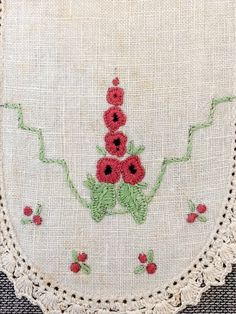 Red Rose Posy Large Doily Centre Tray Cloth Vintage Hand Embroidered Embroidery