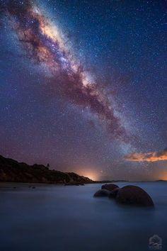 Milking the Boulders . Moeraki Boulders, New Zealand -- by Salim waguila on Night Sky Stars, Night Skies, Mass Effect, Galaxy Art, Galaxy Space, Dark Skies, Galaxy Wallpaper, Milky Way, Stargazing