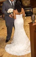 Monique Lhuillier Emma Lace Wedding Dress - Monique Lhuillier - Nearly Newlywed Bridal Boutique - 4