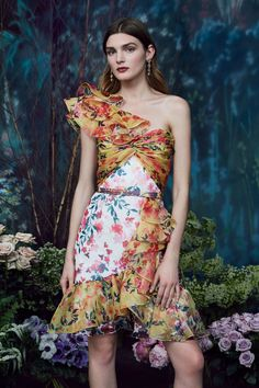 Marchesa Notte Pre-Fall 2019 Collection - Vogue