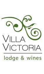 Framed by the foothills of the Andes to the west, and surrounded by olive groves and vineyards, Villa Victoria invites you to enjoy the fusion of the best wines of the area and its wonderful terroir.