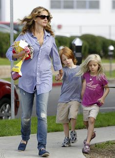 Julia Roberts and children
