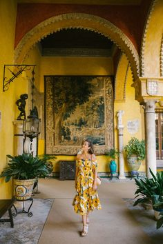 Palacio de las Dueñas, Seville – The Londoner Beautiful Nature Scenes, Beautiful Places, Spain Culture, Big Town, Seville Spain, Lush Garden, Jolie Photo, Andalusia, Travel Aesthetic