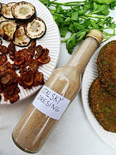 Pesto, Cooking Tips, Sausage, Salads, Food And Drink, Drinks, Dressing, Drinking, Beverages