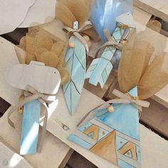 """Μπομπονιέρα Βάπτισης """"Τα όπλα"""" του Ινδιάνου Gift Wrapping, Gifts, Gift Wrapping Paper, Presents, Wrapping Gifts, Favors, Wrap Gifts, Gift"""