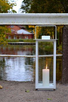 Valkoinen flat -lyhty.  www.leinodesign.fi