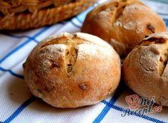 Recept Pšenično žitné bulky se smaženou červenou cibulí a rozmarýnem Thing 1, 20 Min, Hamburger, Muffin, Food And Drink, Bread, Cooking, Breakfast, Recipes