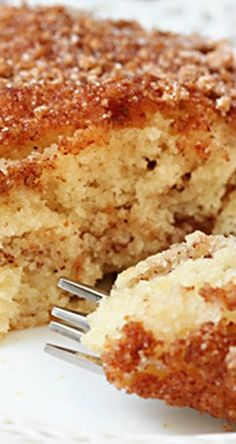 Sour Cream Coffee Cake *The best recipe - do more of a crumb topping with pecans* Just Desserts, Delicious Desserts, Yummy Food, Baking Recipes, Cake Recipes, Dessert Recipes, Breakfast Cake, Breakfast Dishes, Breakfast Recipes