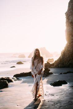 » Gypsy Siren - by Robby Mueller