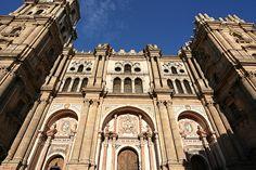 """La Catedral de Málaga es conocida popularmente como """"La Manquita"""", porque una de sus torres quedó inacabada tras más de 2 siglos de construcción / The Cathedral of Málaga is known as """"La Manquita"""" (the one-armed), because one of the towers remained unfinished after more than 2 centuries of construction"""