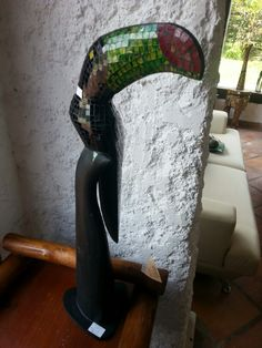 Tucan con base incrust.vidrio