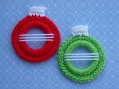 Whiskers & Wool: Christmas Ball Ring Ornament = Great site for small projects