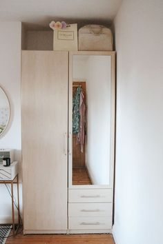 Painting Laminate Wardrobes with B&Q — Charlotte Jacklin Painting Melamine, Painting Laminate, Wood Laminate, Painting On Wood, Fitted Wardrobe Doors, Fitted Wardrobes, Built In Wardrobe, Valspar Paint, Bedroom Cupboards