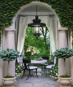 Upper Deck landscape ideas :: with less formal pots.