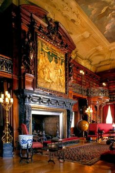 Biltmore House, Asheville, North Carolina. Built by George Washington Vanderbilt II between 1889 and 1895 it is the largest privately owned house in the United States.