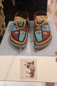 Moccasins of Sitting Bull Native American Dress, Native American Regalia, Native American Beauty, Native American Photos, Native American Artifacts, Native American Beadwork, Indian Arts And Crafts, Royal Ontario Museum, Sitting Bull