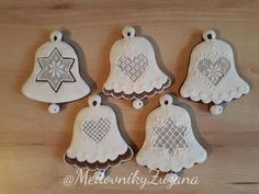 Creative Lettering, Decorative Bells, Christmas Cookies, Gingerbread, Food And Drink, Desserts, Champagne, Wafer Cookies, Crack Crackers