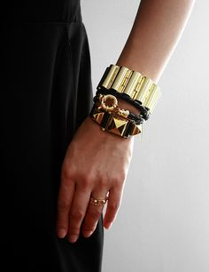 gold and black always fits together so perfectly