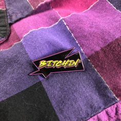 Jab this bitchin enamel pin into your jacket to make an ironic statement via ret. 80s Aesthetic, Aesthetic Collage, Aesthetic Vintage, Aesthetic Photo, Aesthetic Pictures, New Retro Wave, Retro Wallpaper, Dark Wallpaper, Cartoon Wallpaper